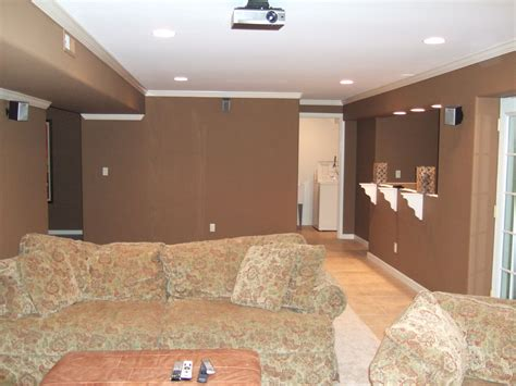 Choosing The Right Basement Paint Colors That Work For You Argos Room Dividers Mud And Laundry Ideas For A Slipcovered Dining Chairs Virginia Tech Dorm Pictures Sound System Ace Game College