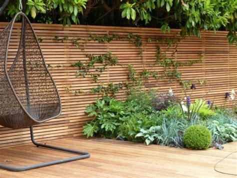 Sichtschutz Zaun Fr Den Garten Aus Holz Oder Aus Kunsstoff