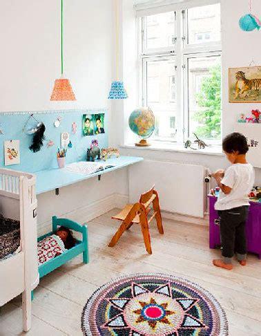 bureau pour enfant avec tableau d activit 233