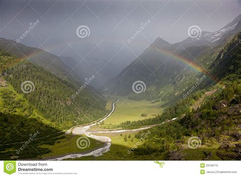 arc en ciel dans les alpes photo stock image 23128710