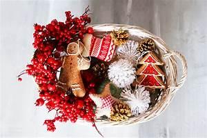 Client Holiday Gift Giving Etiquette | Etiquette Expert ...