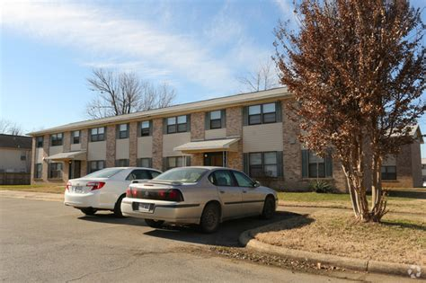 One Bedroom Apartments In Fayetteville Ar by Washington Plaza Apartments Rentals Fayetteville Ar