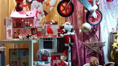 vitrine de no 235 l au magasin de jouets gouzmireves