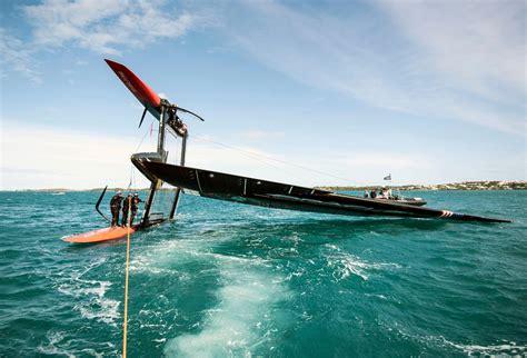 Catamaran In Bermuda by Oracle Team Usa Capsizes 45 Foot Catamaran In Bermuda