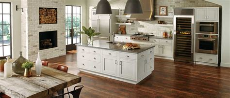 Starmark Cabinetry  Factory Builder Stores