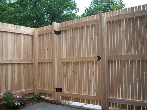 Fence - Gate : Building A Wooden Privacy Fence