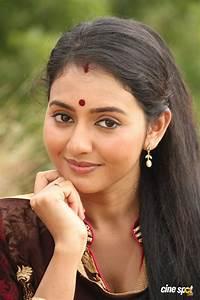 Vidya Stills in Athibar Movie (18)