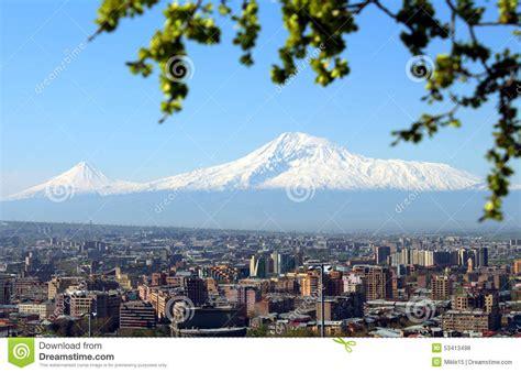 ville du mont ararat et d erevan photo stock image 53413498