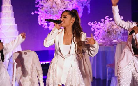 """Whoops! Ariana Grande Almost Falls In First """"thank U, Next"""