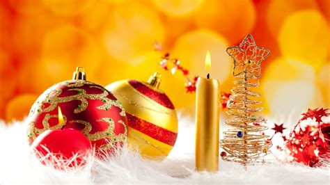 Lovely Christmas Ornaments Wallpapers