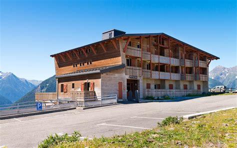 residence lagrange les chalets de l adet 224 partir de 393 location vacances montagne