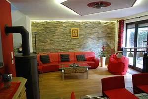 Indirekte Beleuchtung Fernseher : pin von andrea auf haus pinterest steinwand inspiration und h uschen ~ Markanthonyermac.com Haus und Dekorationen