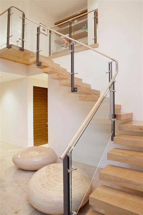 designs d escaliers avec garde corps en verre archzine fr design and staircases