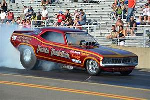 2014 Quaker City Funny Car Nationals Photos - Drag List