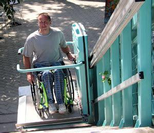 monte handicap 233 la plate forme d escalier pour handicap en fauteuil roulant