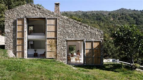 Country House : Environmentally Friendly Country House