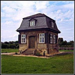 Tiny House Bayern : tiniest manor house tiny houses pinterest manor houses mansard roof and house ~ Markanthonyermac.com Haus und Dekorationen