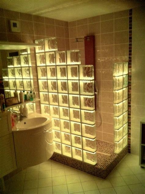 cabine de en briques de verre avec un 233 clairage par led