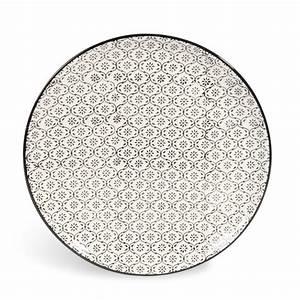 Teller Schwarz Weiß : flacher teller chiang mai aus keramik d 27 cm mikromotiv schwarz wei maisons du monde ~ Markanthonyermac.com Haus und Dekorationen