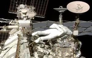 Deux astronautes, dont un Français, ont marché dans l ...