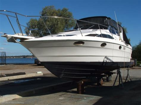 Twin Hull Boats For Sale Perth Wa by Bayliner 2955 Avanti Power Boats Boats Online For Sale