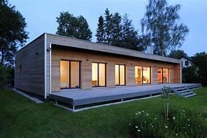 Haus Bungalow Modern : moderner bungalow baufritz fertighaus ~ Markanthonyermac.com Haus und Dekorationen