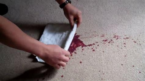 tache de vin sur tapis de conception de maison