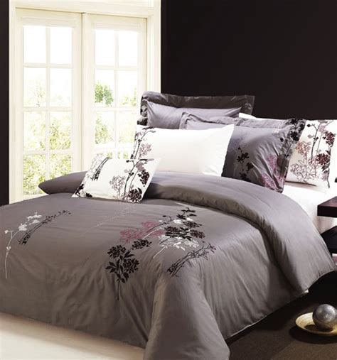 Lavender And Grey Bedding by Grey Purple Bedroom Purple And Gray Comforter Lavender