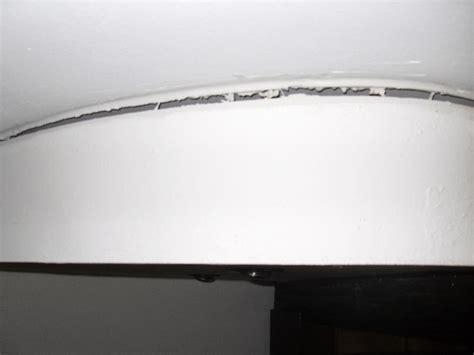 coller les tranches d un contreplaqu 233 au plafond