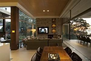Wandfarben Brauntöne Wohnzimmer : natursteinwand im wohnzimmer eine attraktive wandgestaltungsidee ~ Markanthonyermac.com Haus und Dekorationen