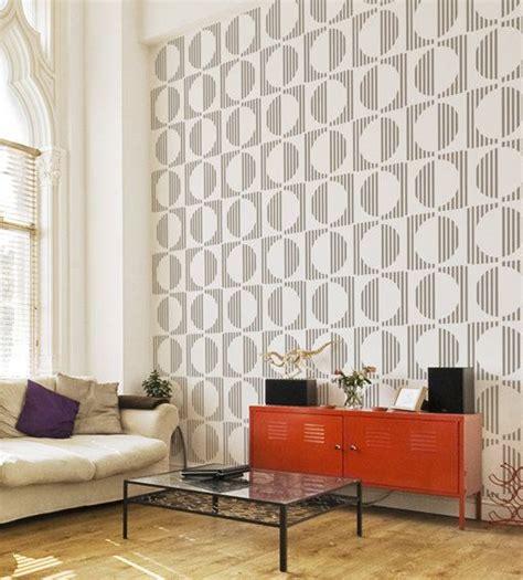 best 25 pochoir mural ideas on pochoirs muraux 224 peindre mur au pochoir and murs