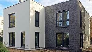 Moderne Häuser Mit Grundriss : flachdach haus cubatur 155 moderne h user bauen roth massivhaus ~ Markanthonyermac.com Haus und Dekorationen