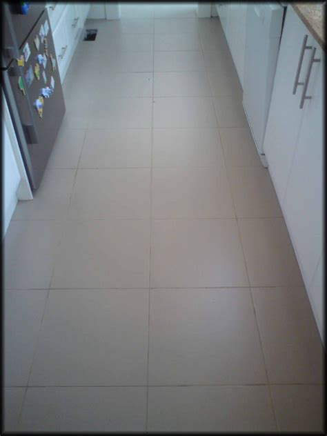 tile regrouting professionals regrout showers bathrooms