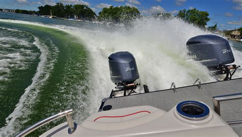 Twin Engine Pontoon by Smoker Craft Inc Unveils Numerous New 2016 Models