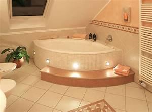 Eckbadewanne Fliesen Bilder : badewannen welche wanne darf es sein ~ Markanthonyermac.com Haus und Dekorationen