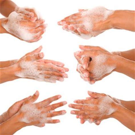 1 fran 231 ais sur 2 ne se lave pas les mains apr 232 s 234 tre all 233 aux toilettes magazine avantages