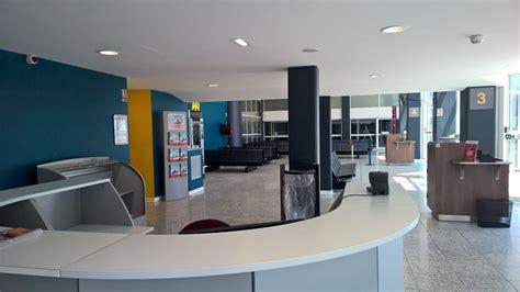 embarquement imm 233 diat dans les nouvelles salles aeroport de biarritz