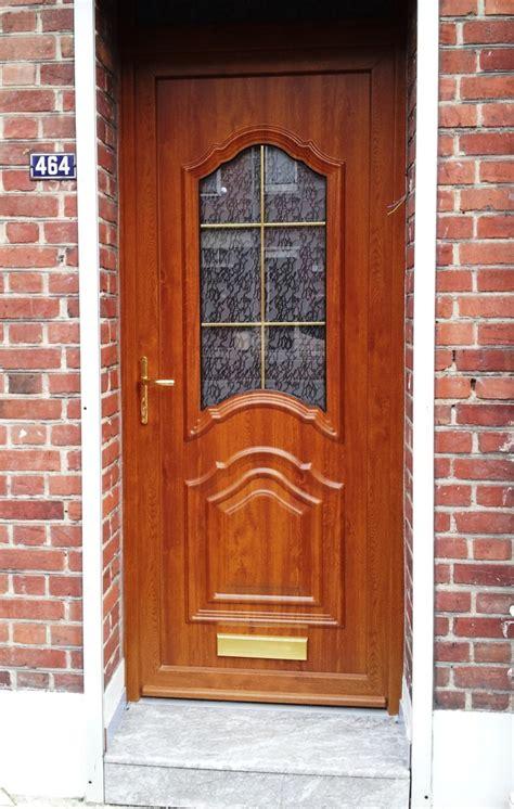 portes d entr 233 e bois pose et r 233 novation de portes d entr 233 e en bois l expert fen 234 tre