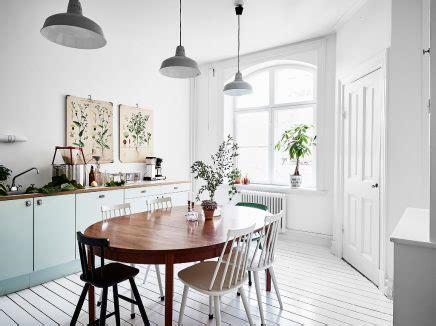Weiße Küche Mit Botanischer Atmosphäre  Wohnideen Einrichten