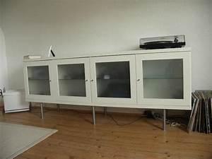 Ikea Möbel Weiß : ikea bonde in weiss lowboard sideboard regal mit beleuchtung satinierten glast ren in worms ~ Markanthonyermac.com Haus und Dekorationen