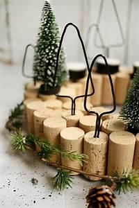 Adventskranz Edelstahl Dekorieren : do it yourself adventskranz mit korken selbst basteln weihnachten 2017 pinterest ~ Markanthonyermac.com Haus und Dekorationen