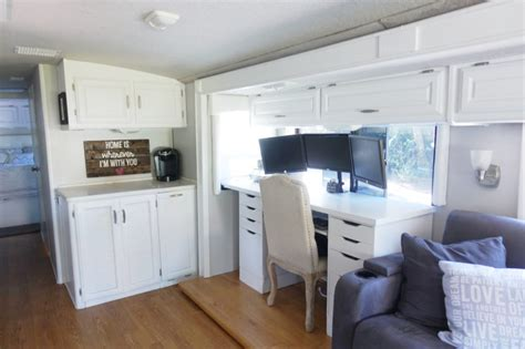 Painting Rv Cabinets & Updating Cabinet Living Room Bundle Deals Bookcases In The Www.small Designs Color Of Feng Shui Desk Sale Open Concept Kitchen Colors Table Uk Violet Escape Lösung