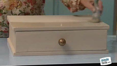 repeindre un meuble en vernis blanc laqu 233 minutefacile