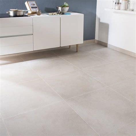 25 best ideas about carrelage beige on lavabo wc armoires de cuisine beiges and