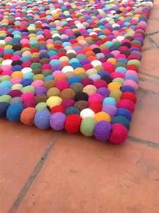 Runder Teppich Wolle : 1000 ideen zu filzkugel teppich auf pinterest filzkugel diy teppiche und wolle ~ Markanthonyermac.com Haus und Dekorationen