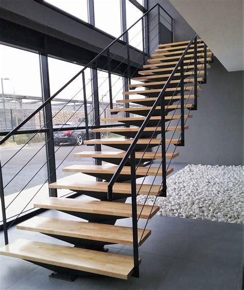 escalier droit limon central m 233 tallique atelier des