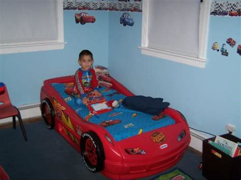 tikes lightning mcqueen roadster toddler bed toys