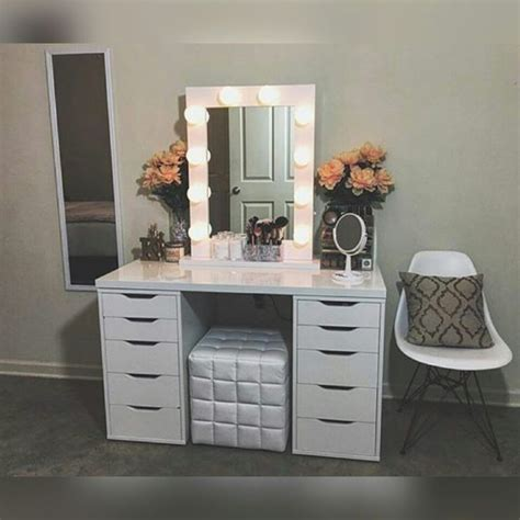 Best 25+ Makeup Vanities Ideas On Pinterest  Makeup. White Marble Table Top. Used Modular Drawer Cabinets. Small Reception Desk For Beauty Salon. Commercial Folding Tables. Queens College Help Desk. Desk Plants That Clean The Air. Table Chair Rental. One Drawer Console Table