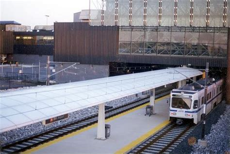 baltimore light rail stops at bwi airport