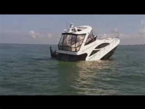 Wicked Tuna Boat Sinks by 45 Foot Boat Sinks In Wiggins Pass Channel Youtube